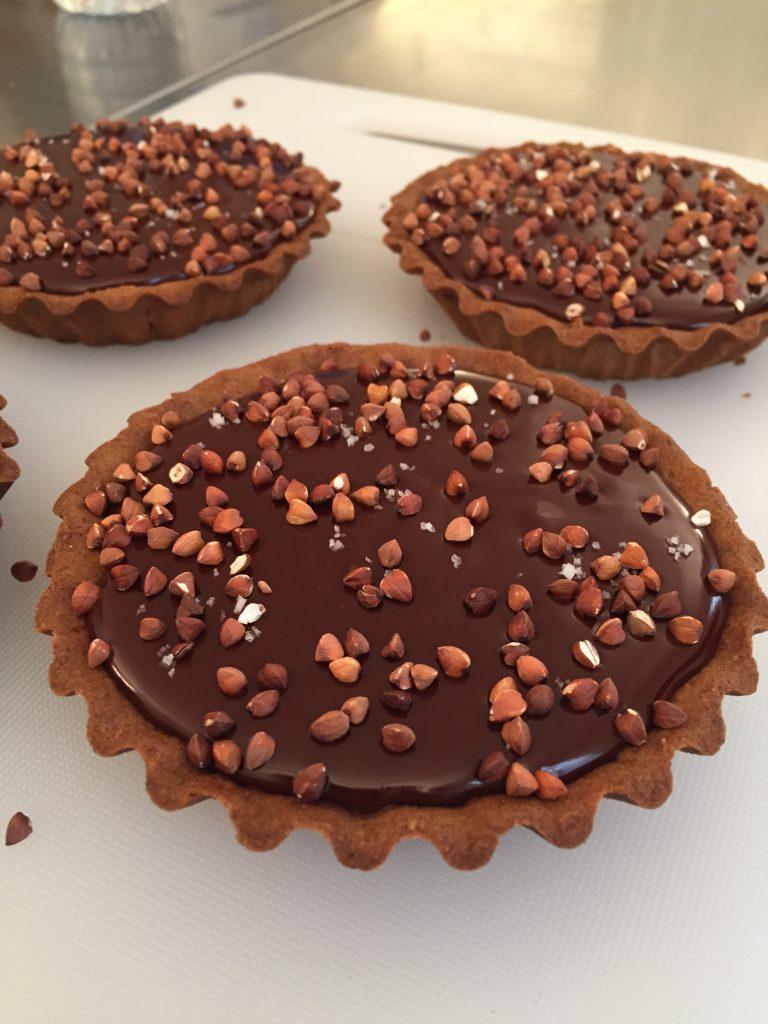 Atelier-pâtisserie-livre-nicolas-paciello-atelier-qui-déchire-recette-pas-à-pas-tarte-chocolat