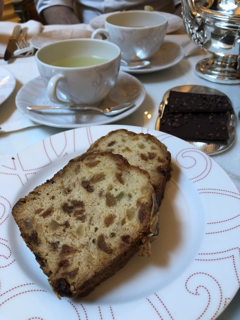 Cake-goûter-plaza-athénée-tea-time-gateau-fruit