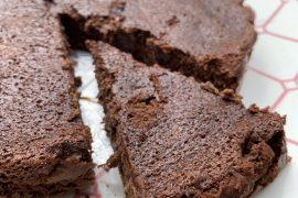Gâteau fondant maison, chocolat-courgette
