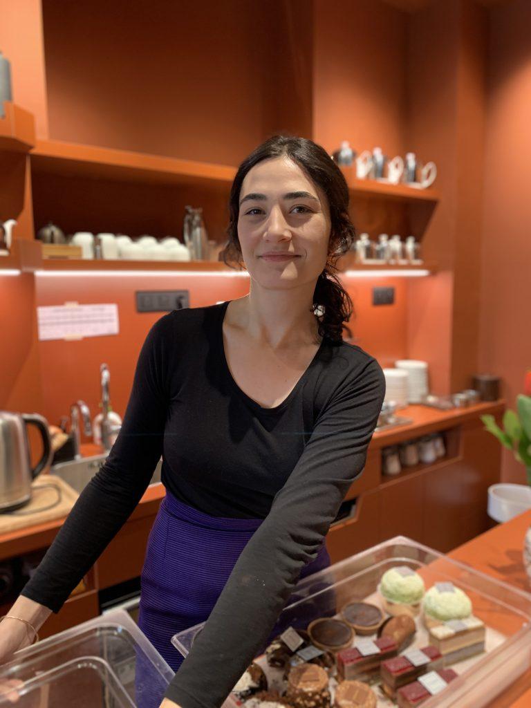 Manon Hevin, Café Pavane