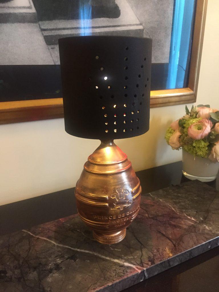 L'œuf lumière de Tristan Rousselot, Prince de Galles